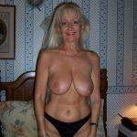 Solange, blonde 58 ans à initier au libertinage