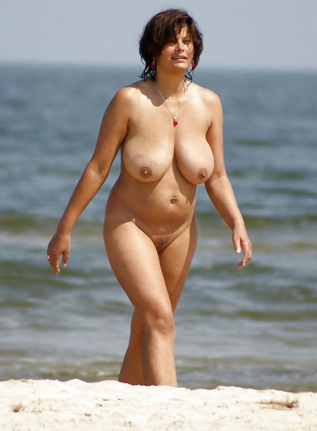 Libertine belles mamelles